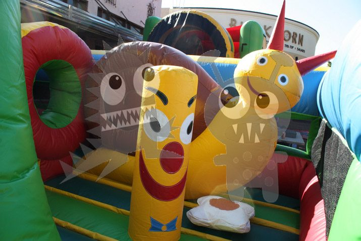 Multicolor Colorful Tropical Snail Garden Inflatable Obstacle Course Commercial Inflatable For Sale